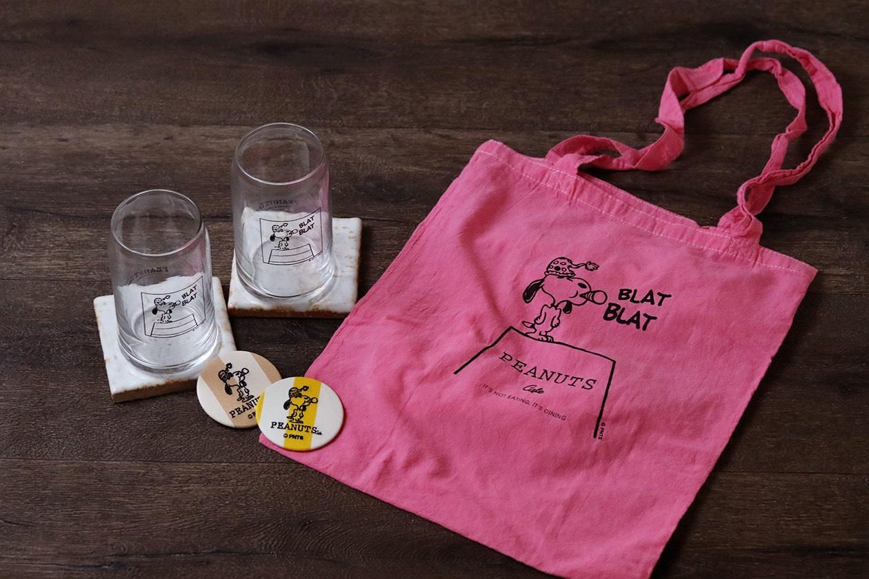 人気のオリジナルエコトートがチェリーピンクに!「PEANUTS Cafe」オープン2周年記念グッズが登場!