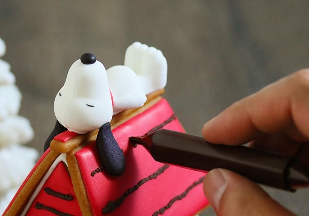 """""""スヌーピーとチャーリー・ブラウンのヘクセンハウスを作ろう!""""「PEANUTS Cafe 中目黒」、「PEANUTS DINER 横浜」でワークショップ開催!"""