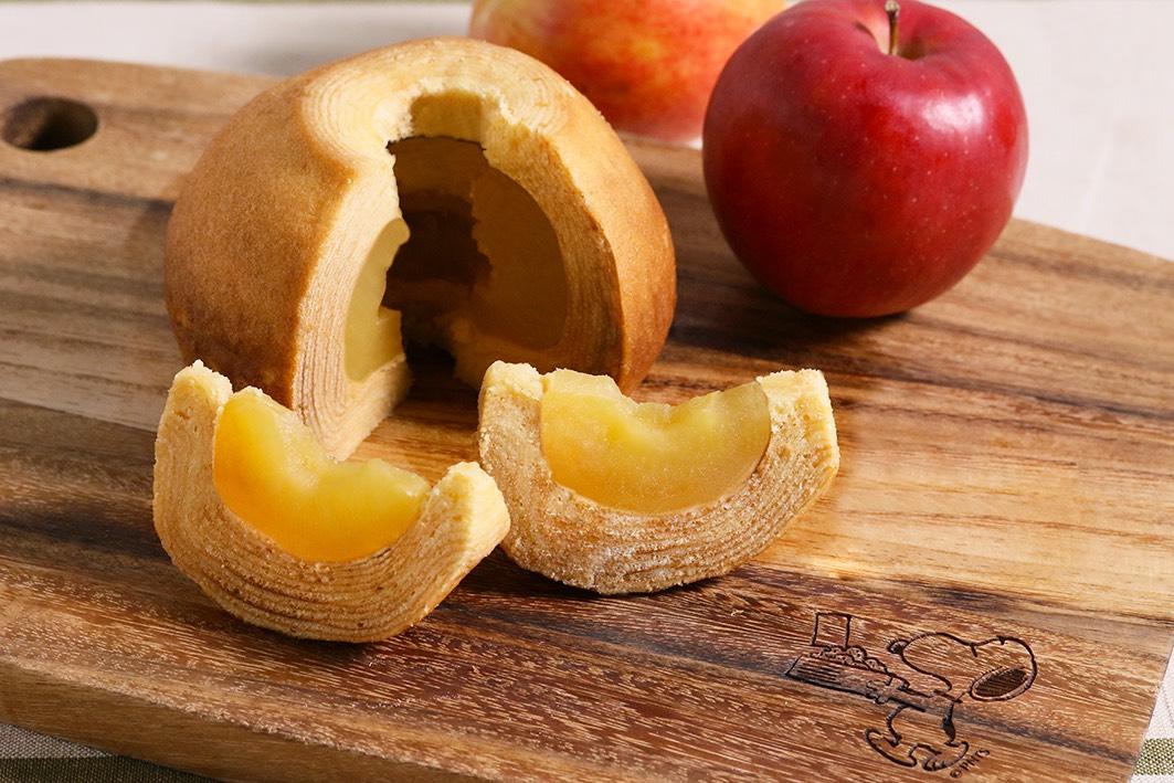国産りんごと新鮮たまごをたっぷり使った贅沢な「PEANUTS Cafe アップルバウムクーヘン」が新登場!
