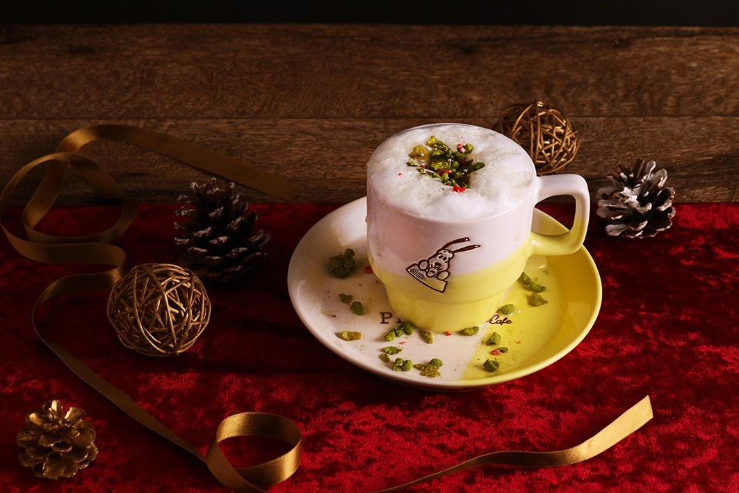 PEANUTS Cafeのクリスマス限定「ホットホワイトチョコレート」